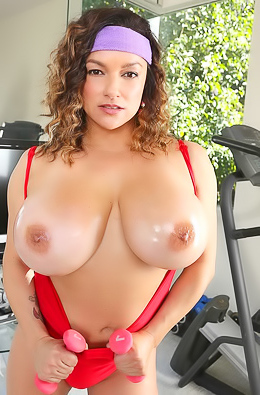Monica Mendez Giant Boobs Workout