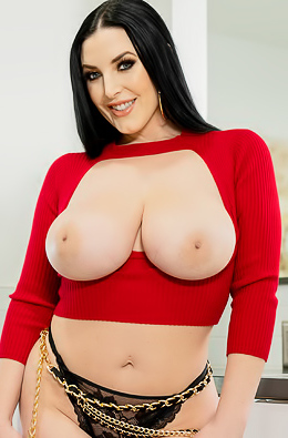 Angela White Making Her Big Natural Tits Bounce Up And Down